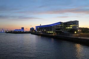 """Die HafenCity Universität im Kontext des """"Blue Port""""."""