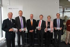 Die Förderer v.l.: Klaus Lühmann (Benthack Stiftung), Dr. Christian Hesse (Dr. Hesse und Partner), Dr.-Ing. Walter Pelka, Dirk Schoch (Sutor Bank), Liane Göbel (Europa Center AG) und Arne Schneider (DG HYP).